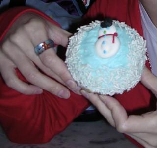 Crumbs snowman cupcake