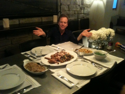 Kiefer Sutherland having dinner at home