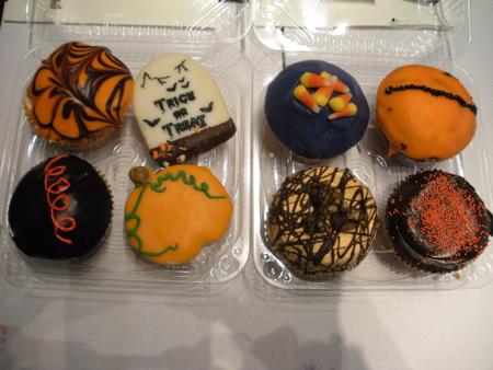 Crumbs Halloween cupcakes