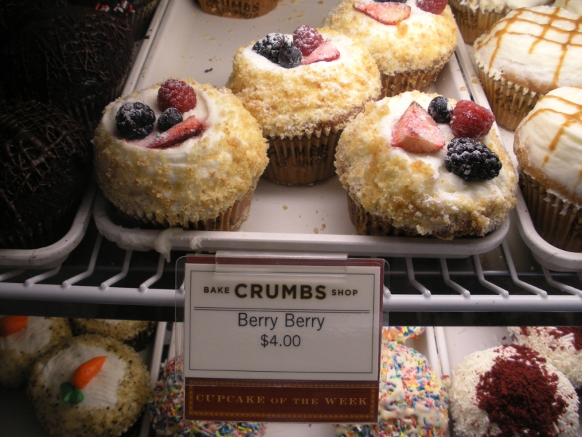 Berry Berry Crumbs Cupcake of the Week