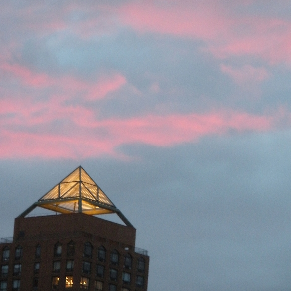 Pink clouds, New York City