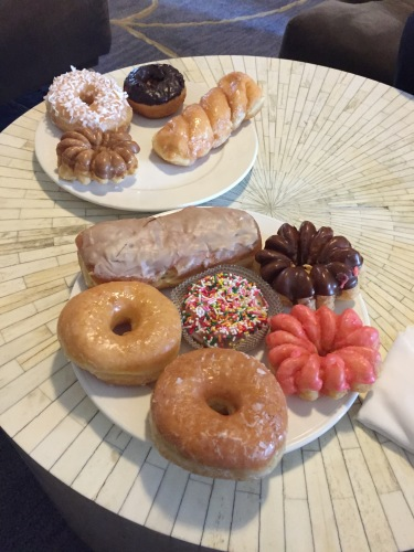Donut King and DK's Donuts, Santa Monica